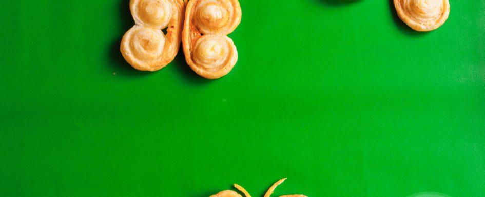 Zitronige Schweineohren aus Blätterteig